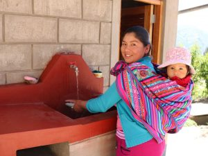 Unos dos millones de peruanos de áreas rurales se beneficiarán con agua clorada