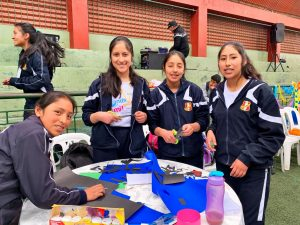 "Escolares de Huancavelica, Acoria y Angaraes cumplen reto de ""La Onda de Mi Cole"""