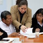 Ministra Ruiz entregó a autoridades de Puno resoluciones sobre cierre de actividades de mina Arasi