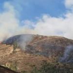 Realizan trabajos de extinción de incendios forestales en Áncash y La Libertad