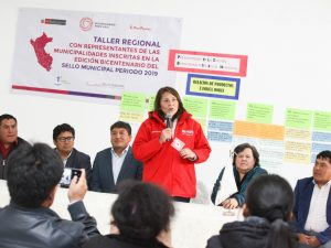 Supervisan implementación de programas sociales en Ayacucho