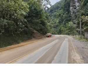 Amazonas: Trabajan en el restablecimiento de vía afectada por deslizamiento