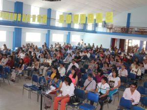 Brindan talleres de capacitación gratuitos para docentes de la región Huánuco