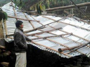 Entregan ayuda humanitaria a damnificados por fuertes vientos en San Martín, Apurímac y Ancash