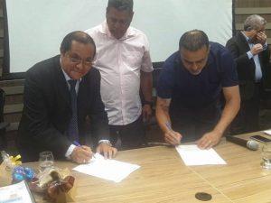 Firman acta de integración entre Ucayali y Acre (Brasil)