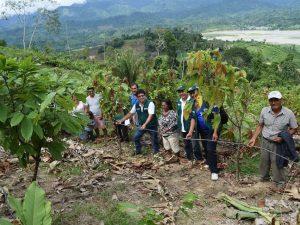 Junín: Entregan módulo de riego por goteo a cacaoteros de Satipo