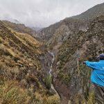Instalan cámara para monitorear los lahares en el valle de Ubinas