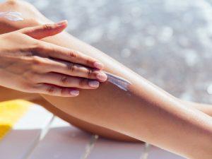 Exponerse a los rayos solares sin bloqueador es un riesgo para la piel