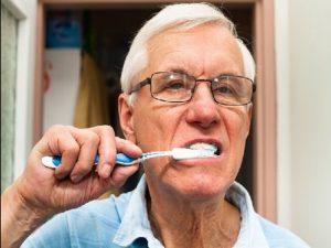 Cepíllate los dientes tres veces al día para alejar la diabetes