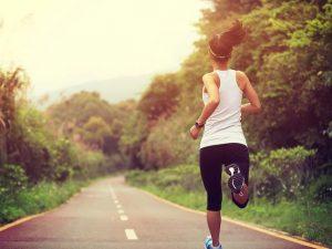 Hacer ejercicio reduce el riesgo de deterioro cognitivo y demencia