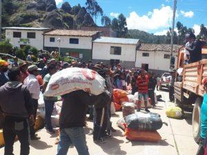 Distrito de Anta envía ayuda para huancavelicanos varados